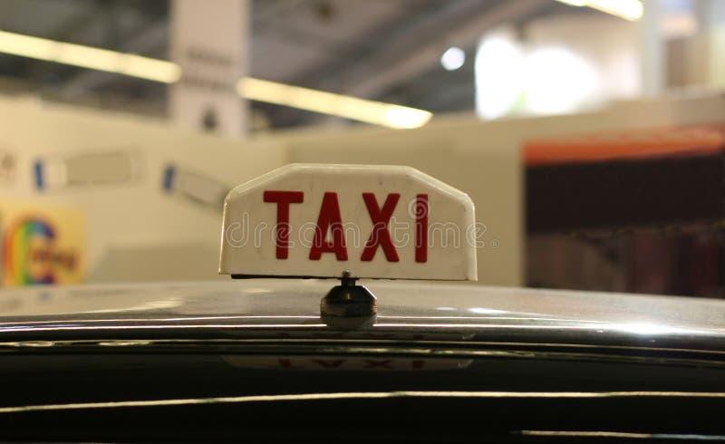 Vieja muestra del taxi fotos de archivo libres de regalías