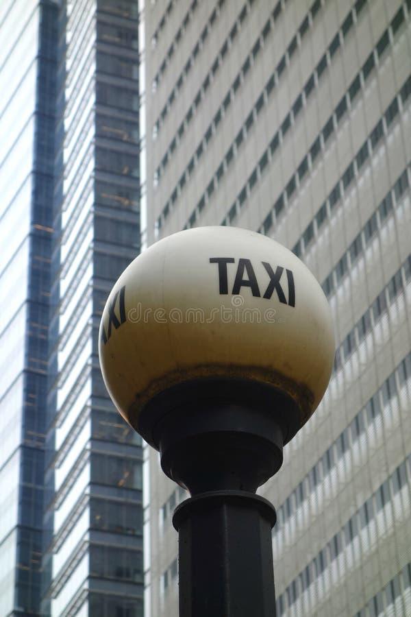 Vieja muestra del taxi imagen de archivo libre de regalías