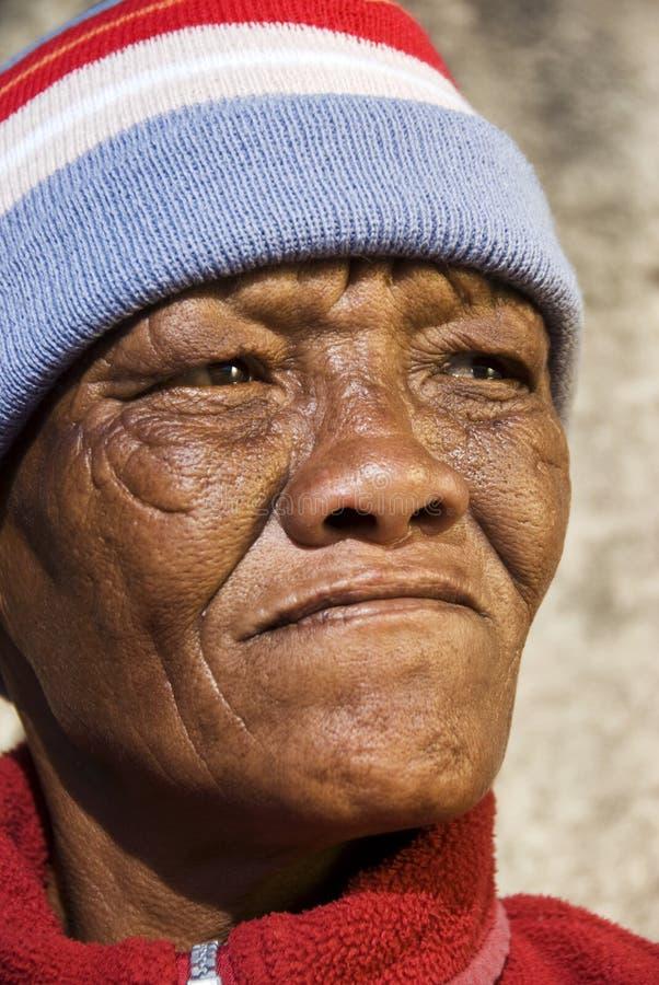 Vieja mujer africana imagen de archivo libre de regalías
