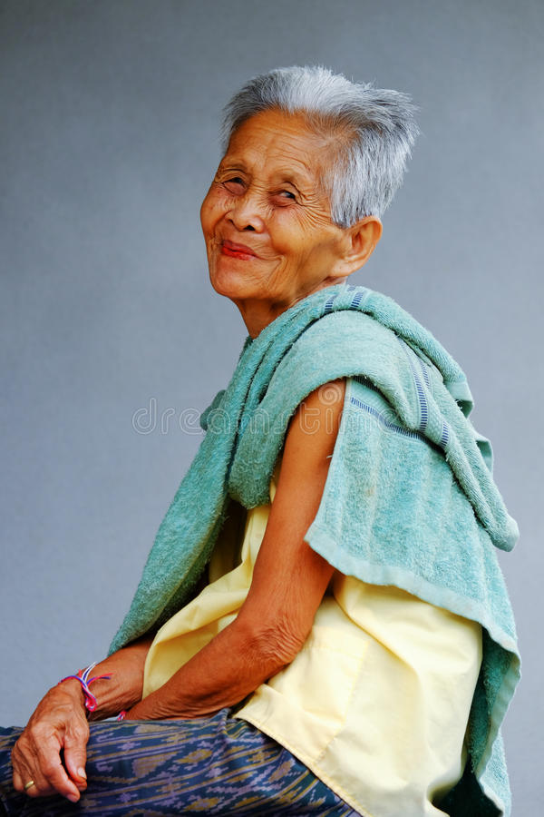 Vieja mujer asiática foto de archivo libre de regalías