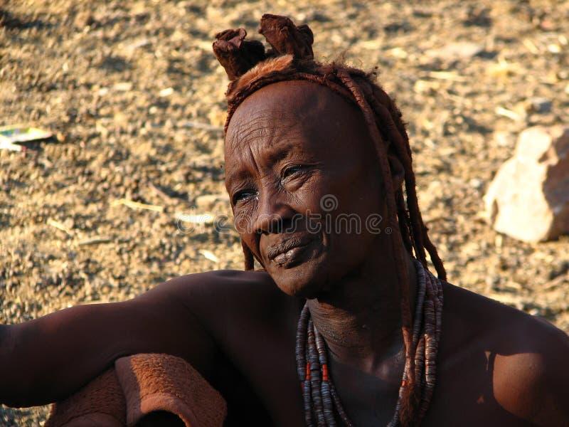 Vieja mujer de Himba imagenes de archivo