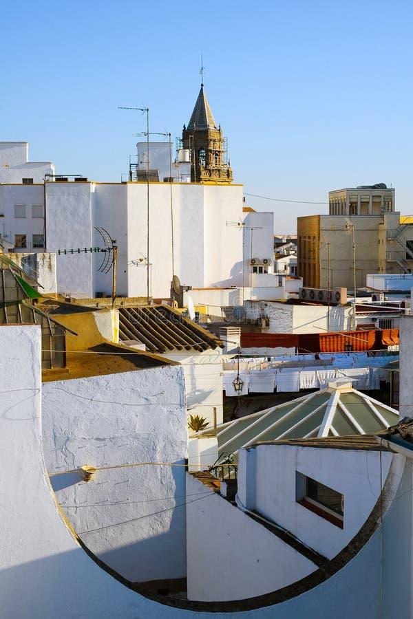 Vieja opinión de la ciudad de Sevilla del top foto de archivo