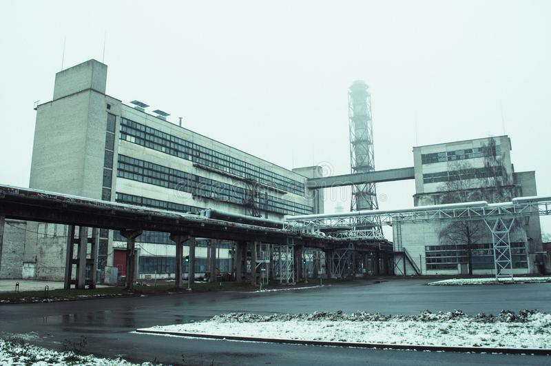 Vieja opinión de la fábrica de la tierra imagen de archivo