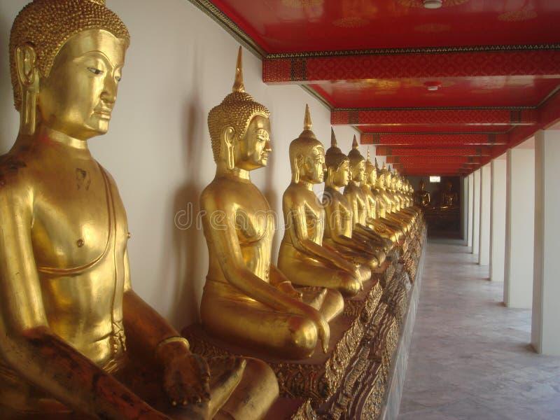 Vieja opinión 4 de las estatuas de Buda del templo budista de Tailandia fotografía de archivo libre de regalías