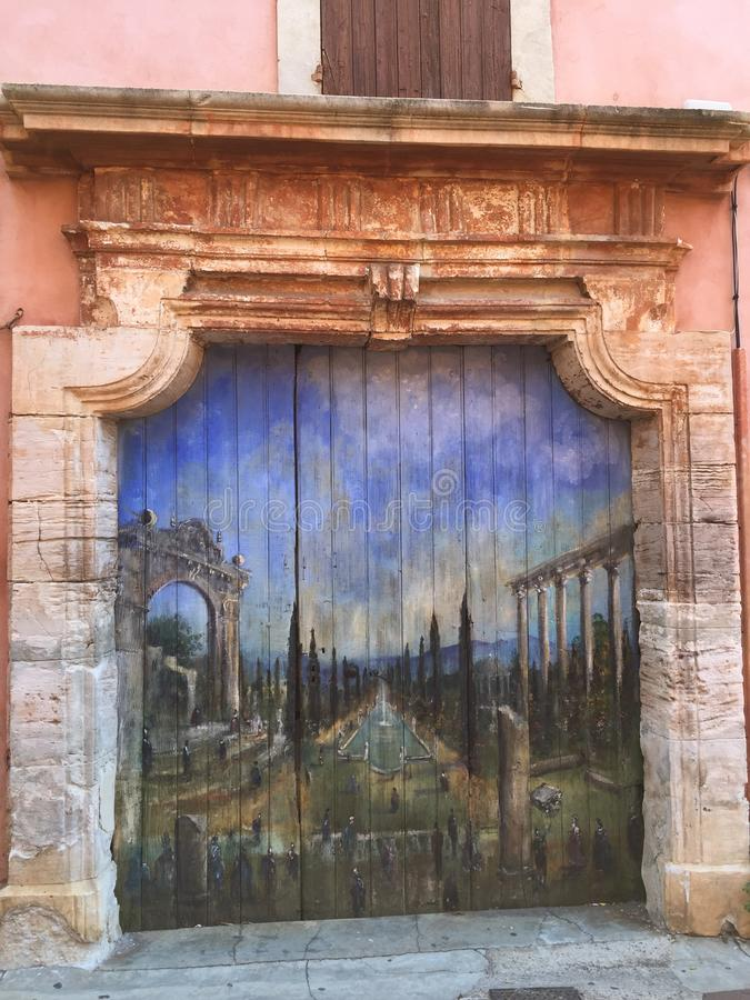 Vieja pintura de la pintura de la arquitectura de la historia de la puerta fotografía de archivo