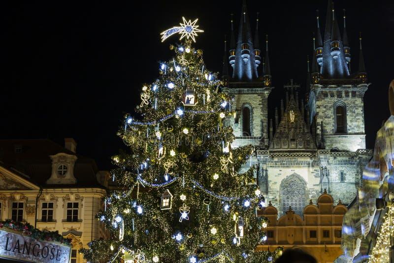 Vieja plaza en el tiempo de la Navidad, Praga, República Checa fotografía de archivo libre de regalías