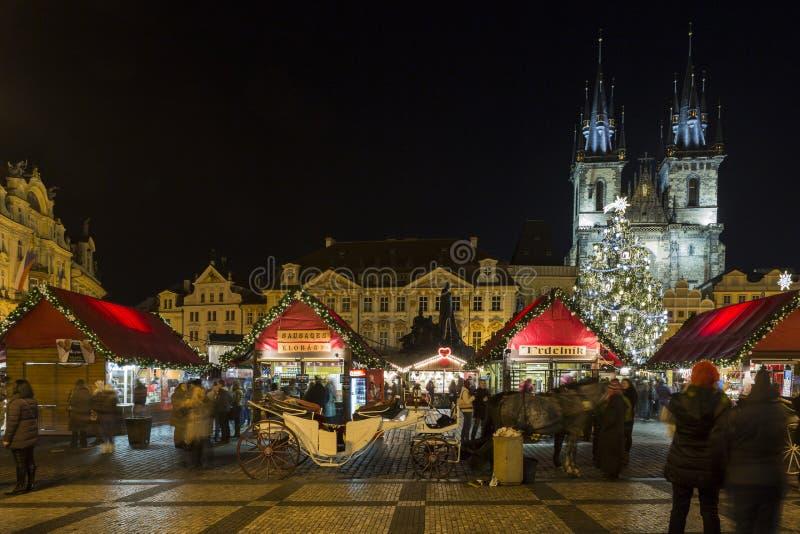 Vieja plaza en el tiempo de la Navidad, Praga, República Checa foto de archivo