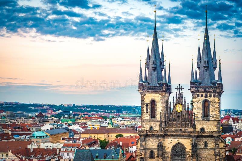 Vieja plaza en Praga, Rep?blica Checa imagen de archivo