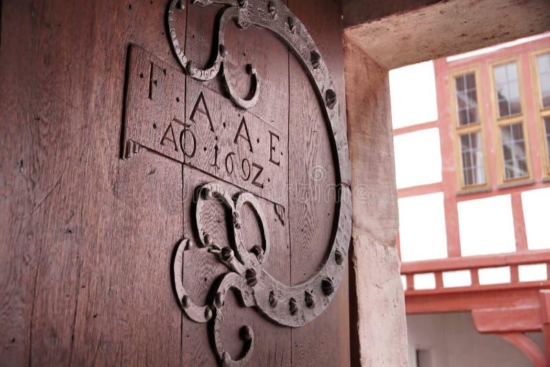 Vieja puerta de madera fotos de archivo libres de regalías