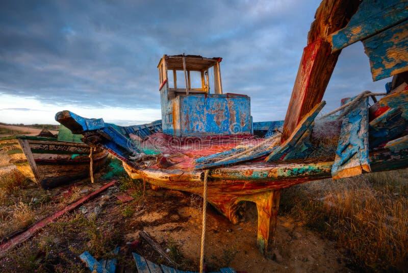 Vieja ruina del barco de pesca, imagen de HDR fotos de archivo