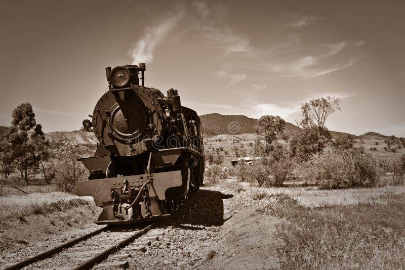 Vieja sepia del tren del vapor   foto de archivo