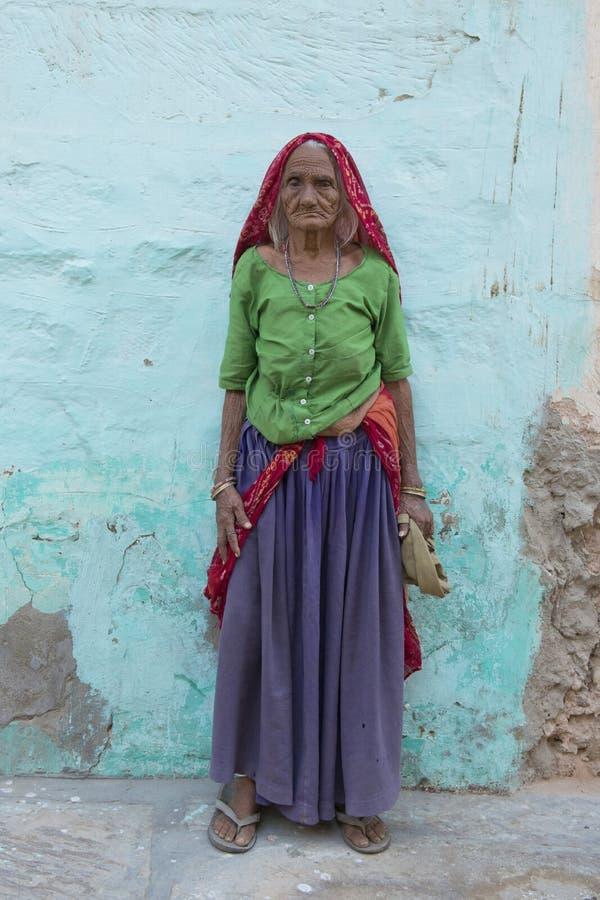 Vieja situación india de la mujer fotografía de archivo