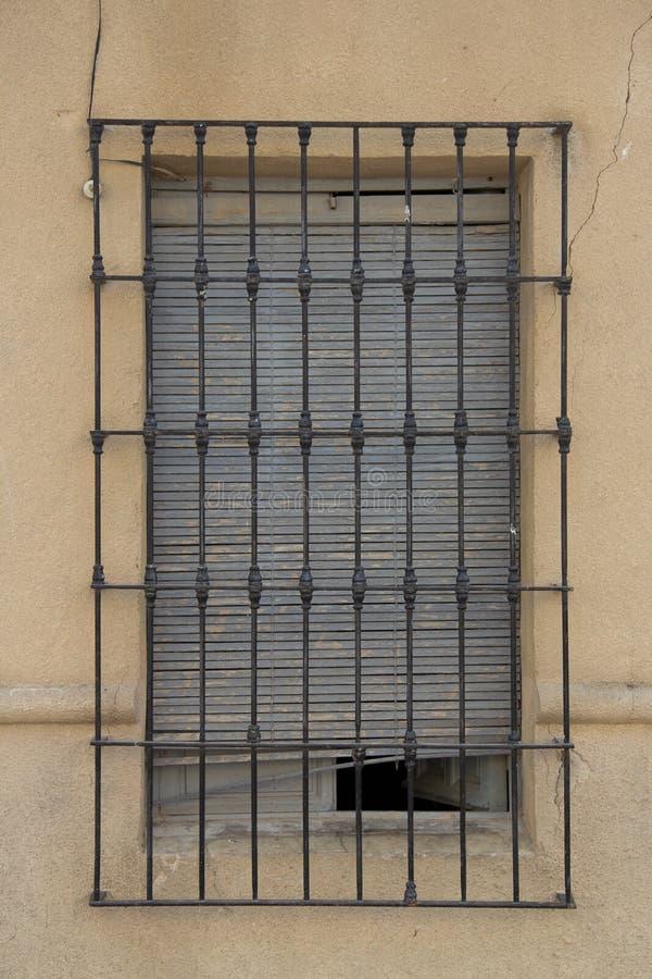 Viejas 24 de ventanas de Puertas y images stock