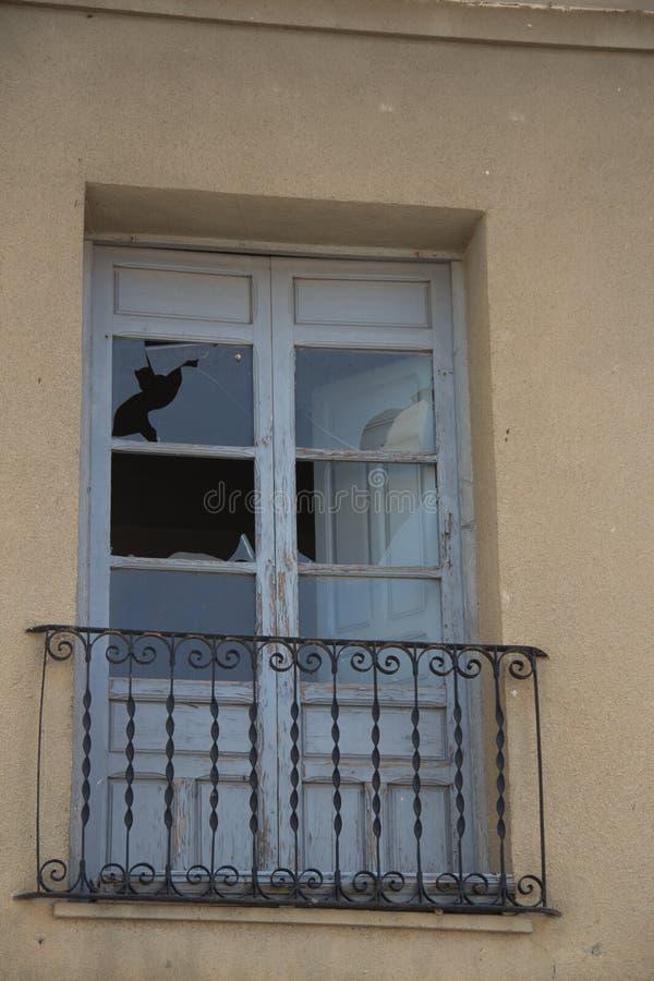 Viejas 21 de ventanas de Puertas y photo stock