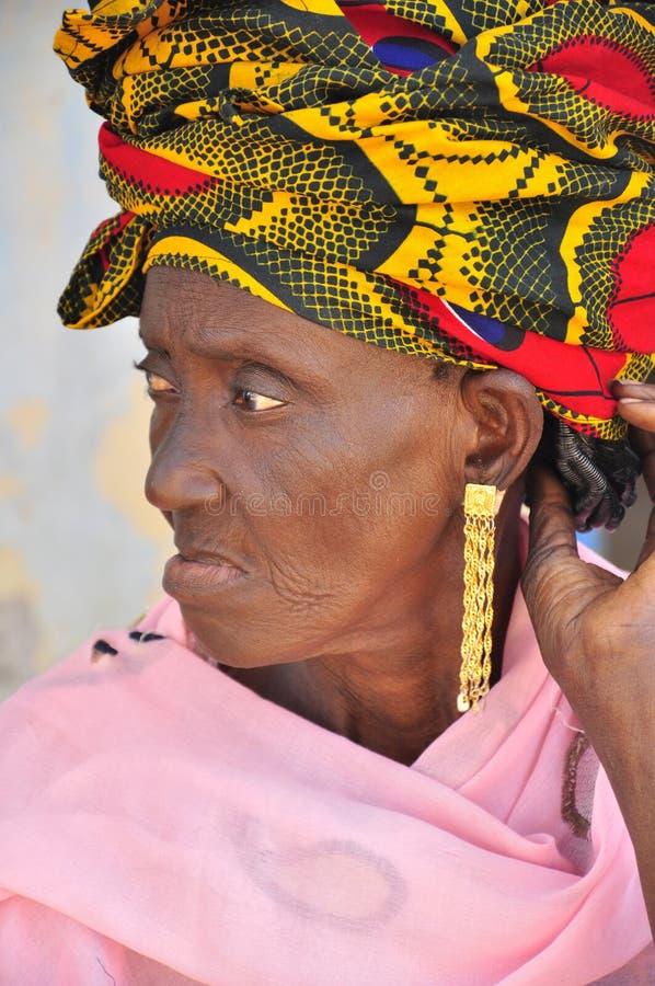 Viejas mujeres africanas con el turbante foto de archivo libre de regalías