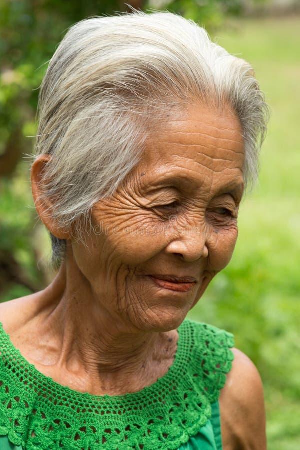 Viejas mujeres asiáticas imagenes de archivo