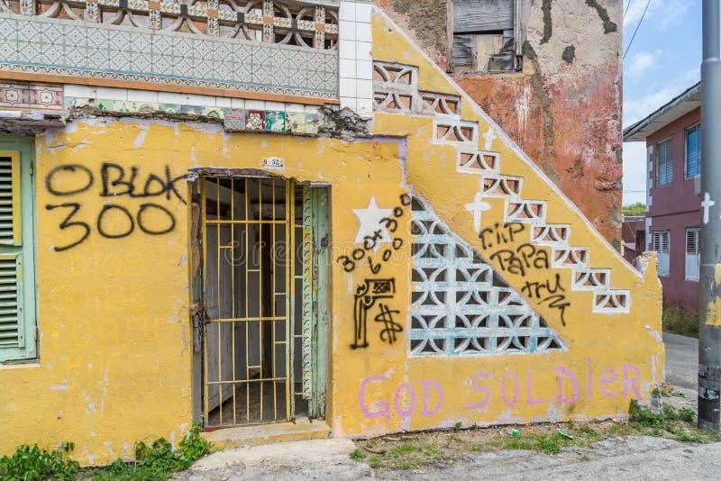 Viejas opiniones de Otrobanda Curaçao de la puerta imagenes de archivo
