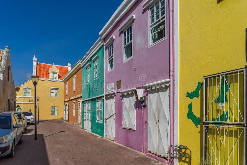 Viejas opiniones renovadas de Curaçao del anda de la calle imagenes de archivo