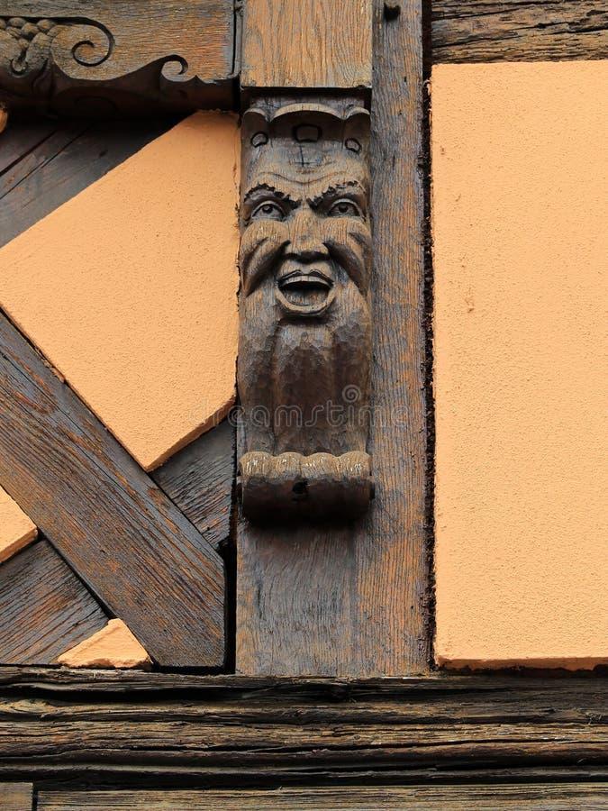 Viejas tallas históricas en Obernai, Alsacia, Francia foto de archivo libre de regalías