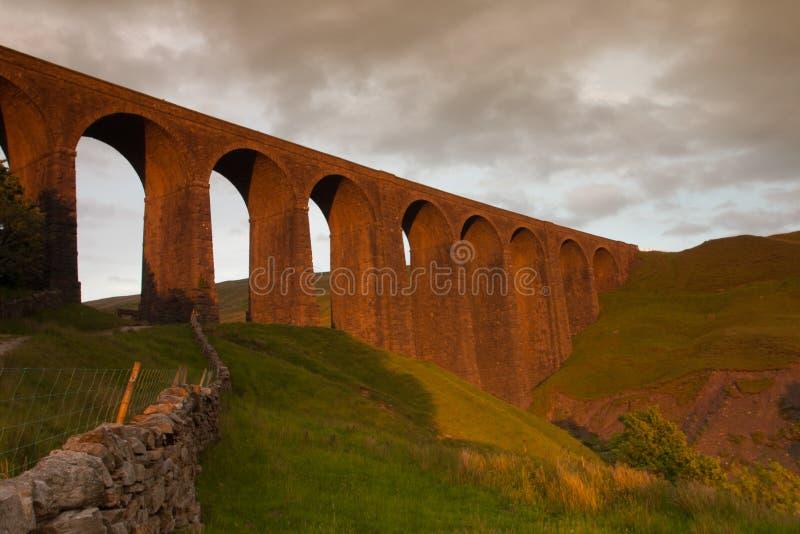 Viejo Arten Gill Viaduct en parque nacional de los valles de Yorkshire fotos de archivo libres de regalías