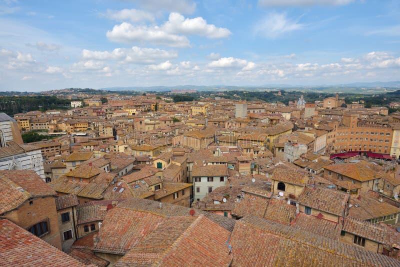 Viejo centro de ciudad toscano de Siena, Italia fotos de archivo