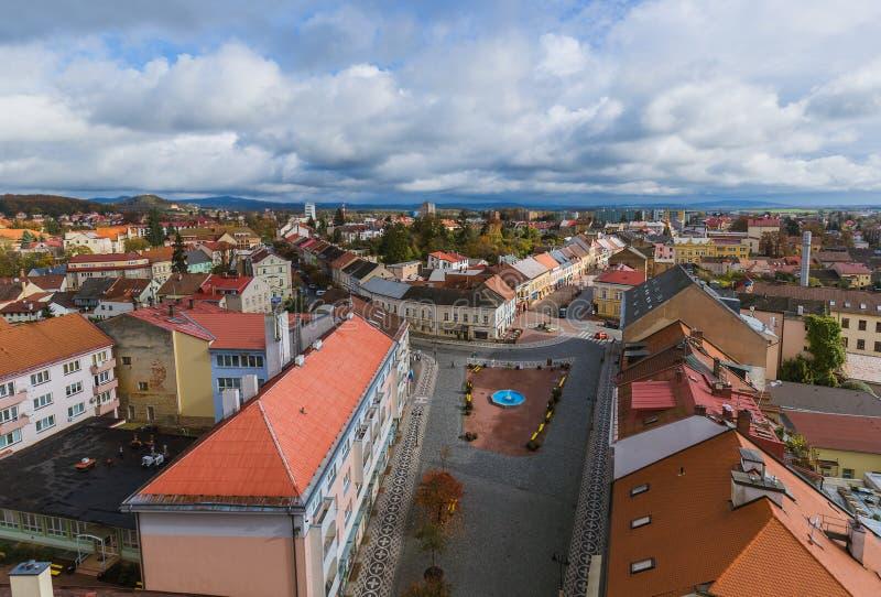 Viejo centro en la ciudad Jicin - República Checa foto de archivo libre de regalías