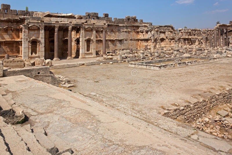 Viejo cuadrado de las ruinas romanas de Baalbek, Líbano heliopolis foto de archivo libre de regalías