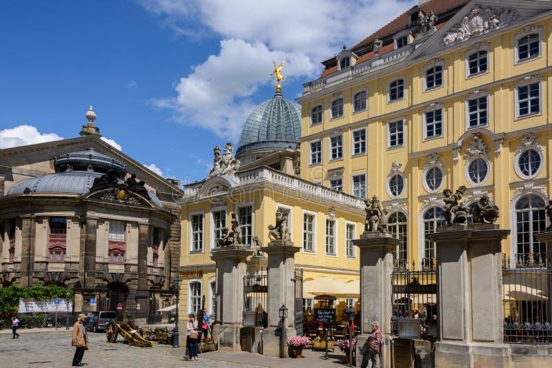 Viejo cuadrado en Dresden alemania imagen de archivo
