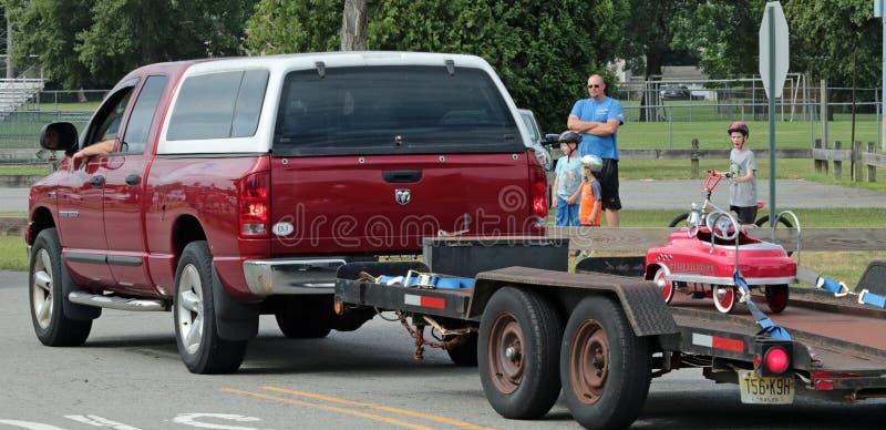 Viejo desfile de los coches de bomberos foto de archivo libre de regalías