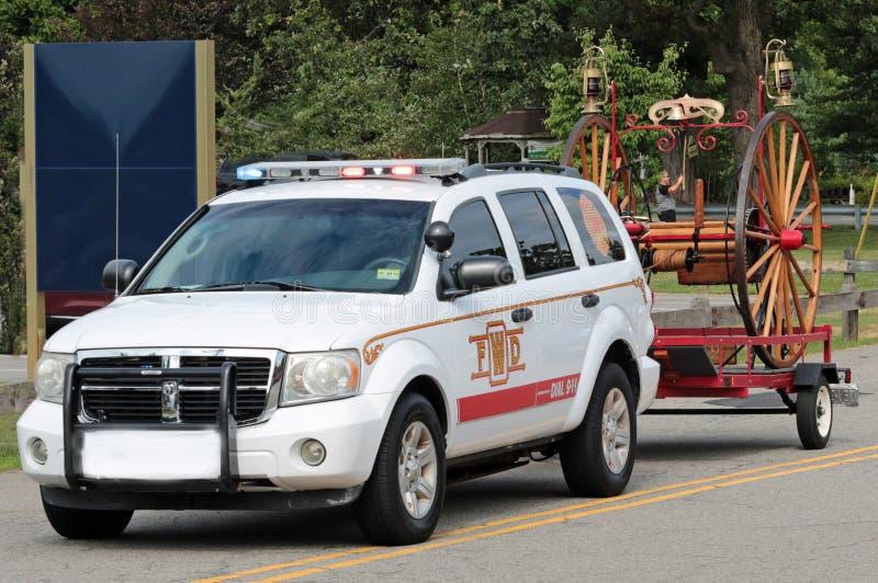 Viejo desfile de los coches de bomberos fotos de archivo