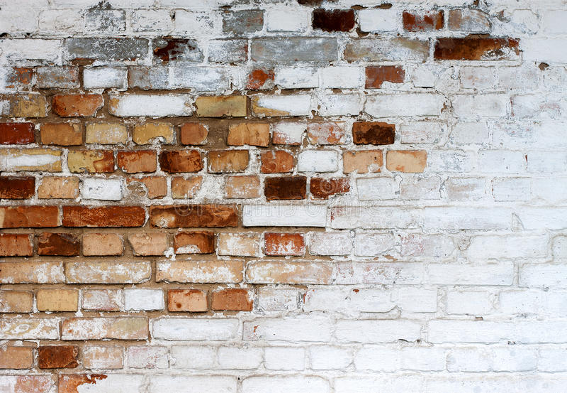 Viejo fondo blanco saltado de la textura de la pared de ladrillo, pared de ladrillo sucia blanqueada, fondo blanco rojo del vinta fotos de archivo libres de regalías
