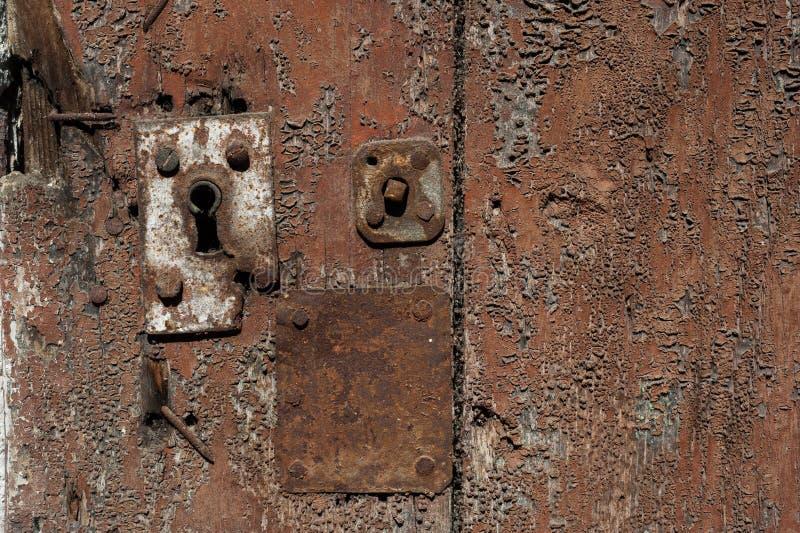 Viejo fondo de la puerta de Rusty Keyhole fotografía de archivo