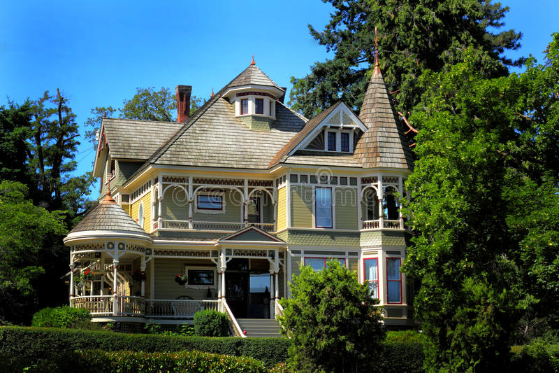 Viejo hogar histórico grande imagenes de archivo