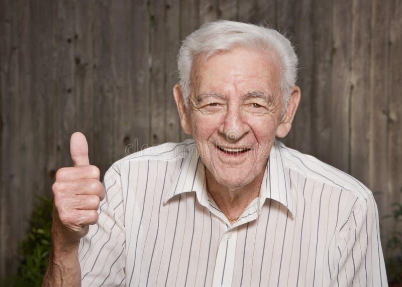 Viejo hombre feliz imagen de archivo