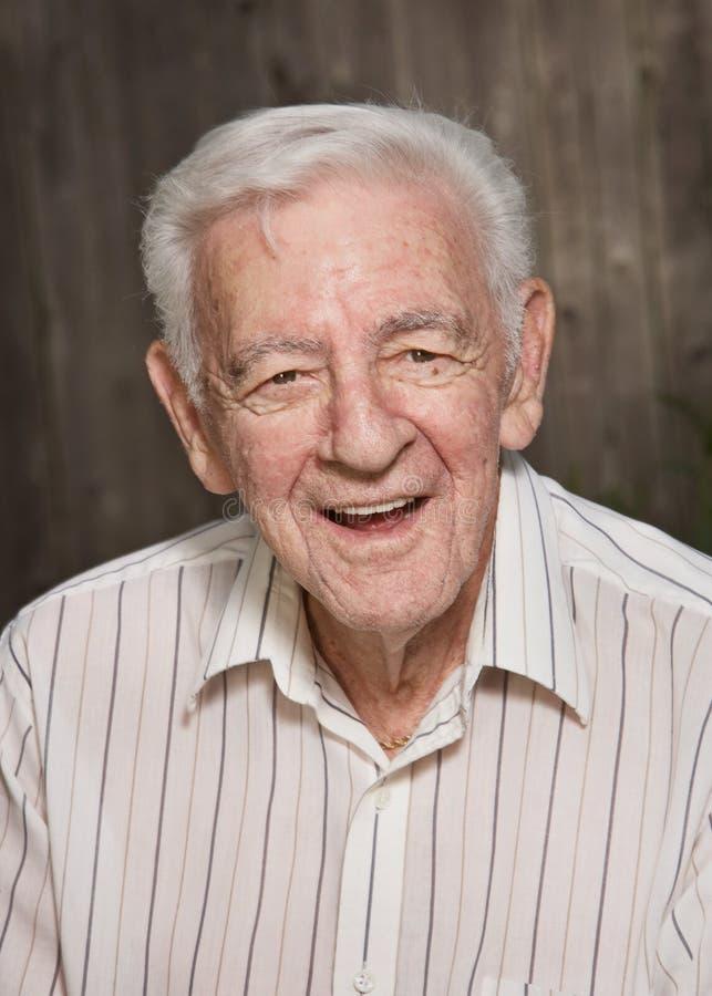 Viejo hombre sonriente foto de archivo