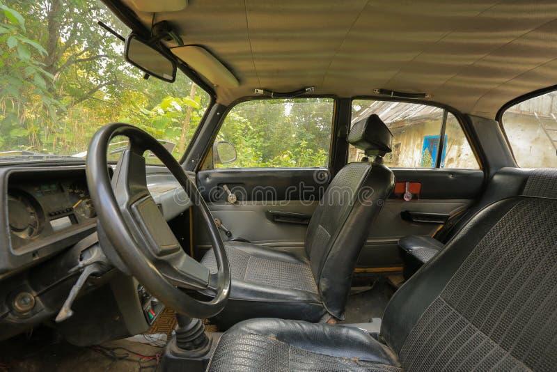 Viejo interior del coche fotos de archivo libres de regalías