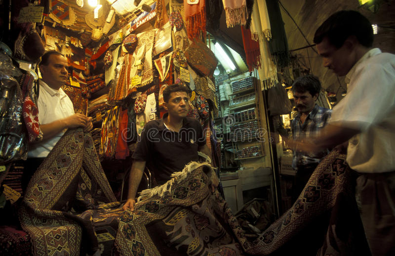 Download VIEJO MERCADO DE LA CIUDAD SOUQ DE ORIENTE MEDIO SIRIA ALEPO Foto de archivo editorial - Imagen de departamentos, viejo: 64203248