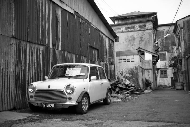 Viejo Morris Minor en Georgetown, Penang imagenes de archivo