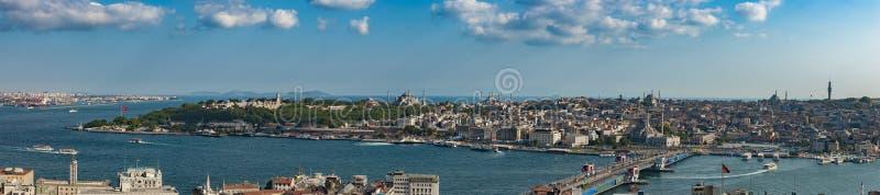 Viejo panorama de la ciudad de Estambul fotografía de archivo libre de regalías