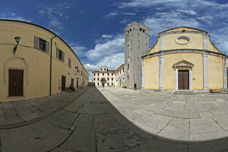 Viejo panorama de la plaza foto de archivo libre de regalías