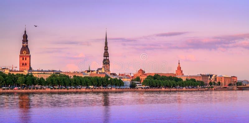 Viejo panorama de Riga, Letonia, Europa fotografía de archivo libre de regalías