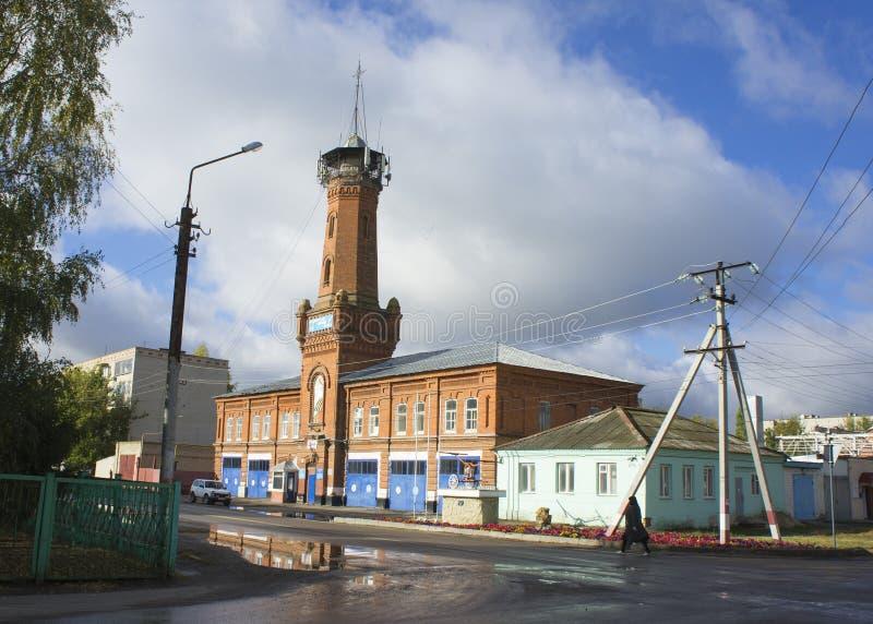 Viejo parque de bomberos en la ciudad del monumento histórico de Petrovsky imagen de archivo libre de regalías