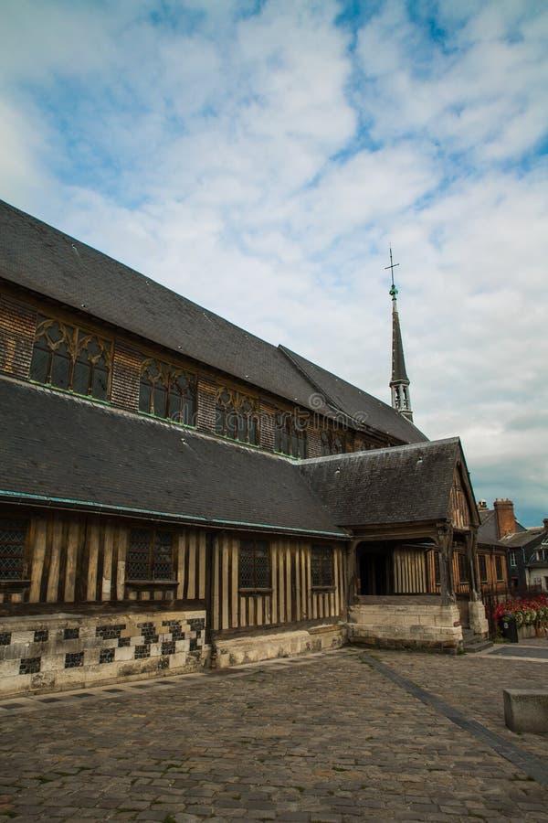 Viejo santo Catherine de la iglesia en Honfleur imagenes de archivo