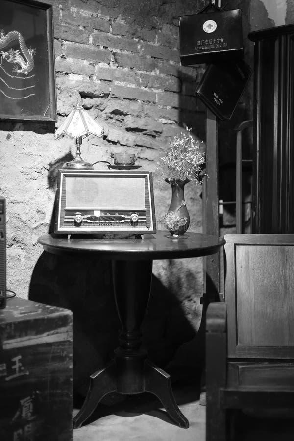 Viejo sitio en el medio del siglo XX, imagen blanco y negro foto de archivo