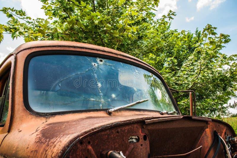 Viejo truc oxidado de la granja imágenes de archivo libres de regalías