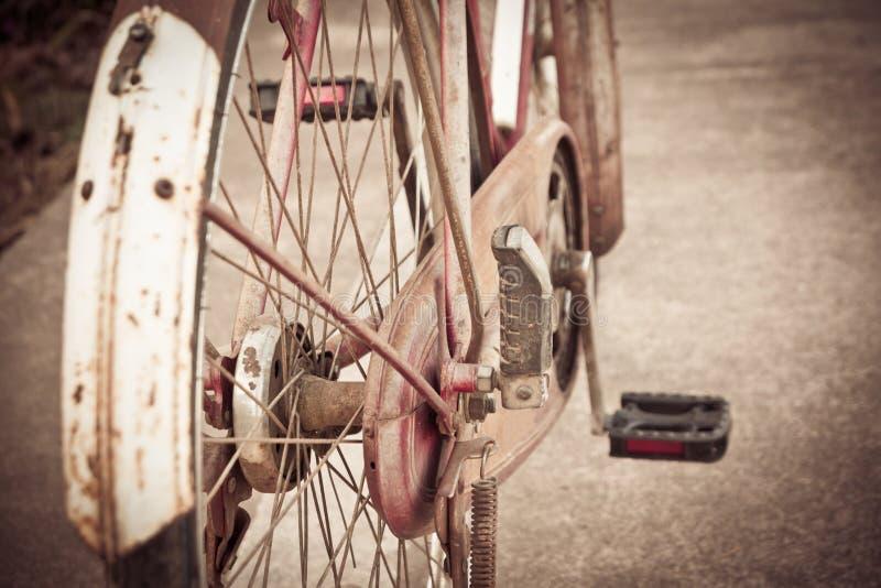 Viejo vintage de la bicicleta imágenes de archivo libres de regalías