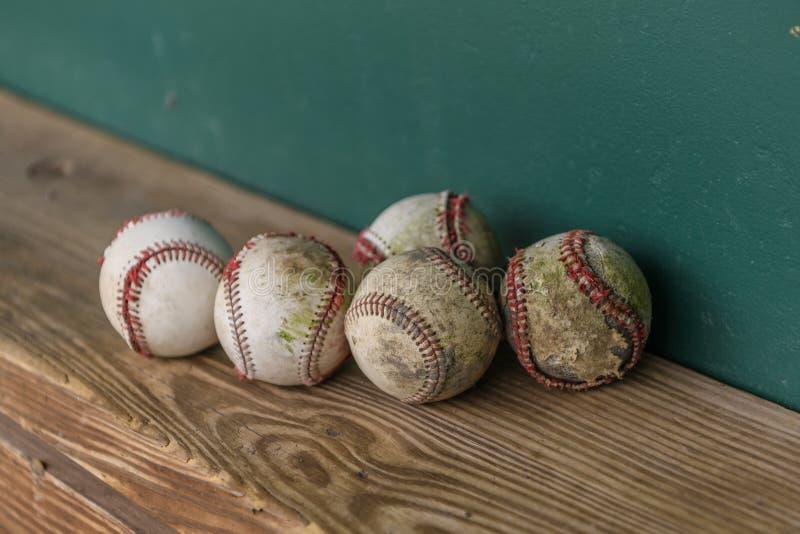 Viejos béisboles fotografía de archivo libre de regalías