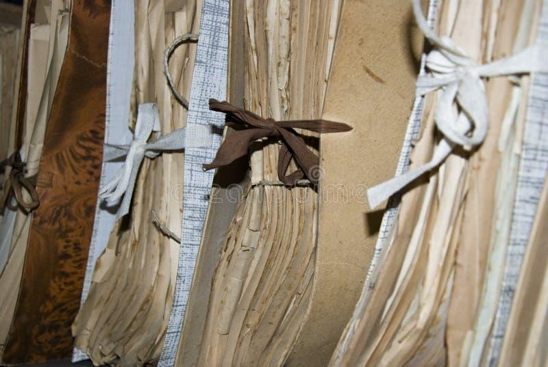 Viejos documentos en archivo imagen de archivo libre de regalías