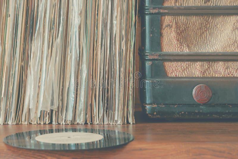 Viejos expedientes de vinilo foto de archivo libre de regalías