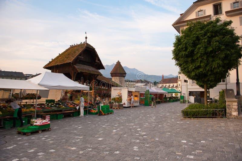 Viejos puente y mercado, Suiza de Alfalfa imágenes de archivo libres de regalías